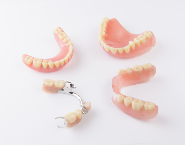 4 Signs It May Be Time For Dentures